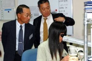 Kawai-san and Rober Tsai from Asahi Schweibel Taiwan In Our Glass Analysis Lab